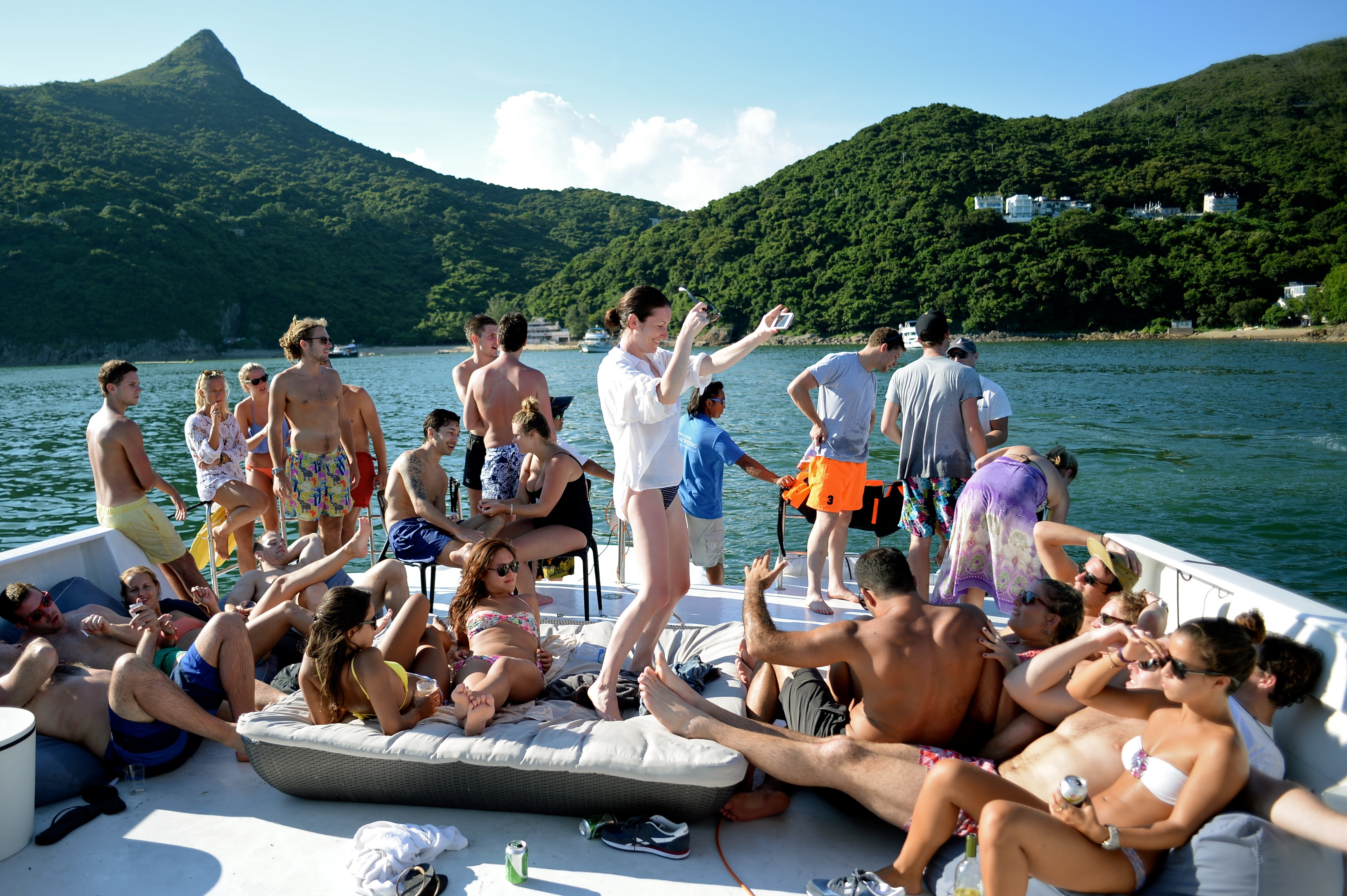 Dream-Junk-Boat-Party